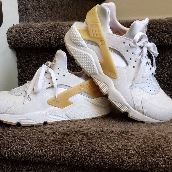 Nike Other - Air Huarache SE Gum Only